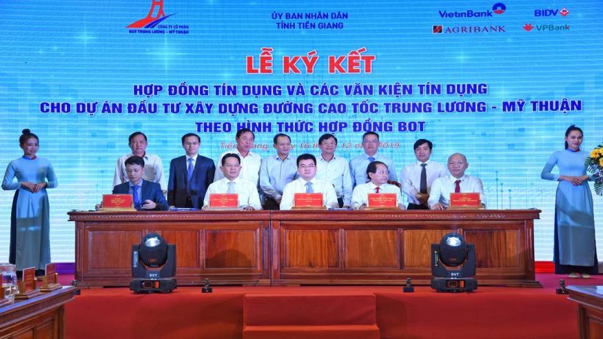 VietinBank giải ngân khoản vay dự án cao tốc Trung Lương - Mỹ Thuận